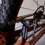 自転車に新しいチェーンを張ったところ。チェーンつなぎ_[0]