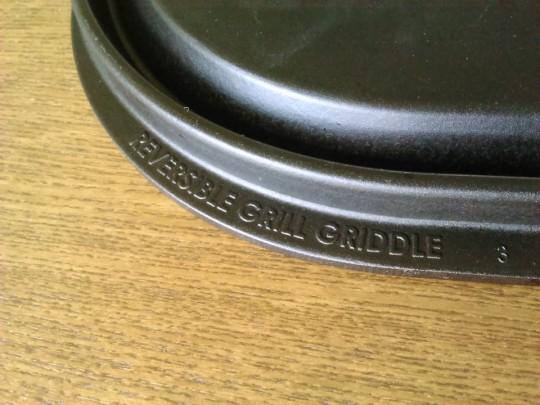 コストコで買ったNORDIC WARE REVERSIBLE GRILL GRIDDLE ロゴ