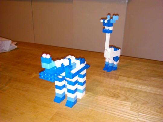 晩酌ついでに、レゴで2つ目のオリジナル作品、カバ的な4