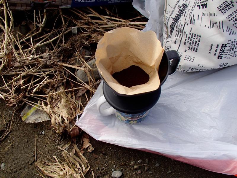 薪を割ってコーヒー
