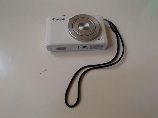 CanonのPowerShot S110正面から
