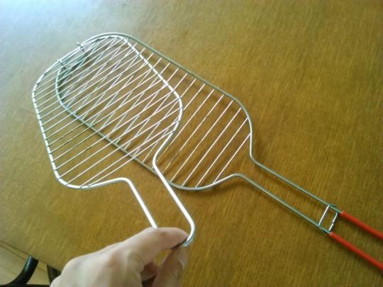 IKEAで買ったBBQ用の挟む網2