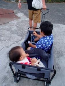 カートに子供2人2