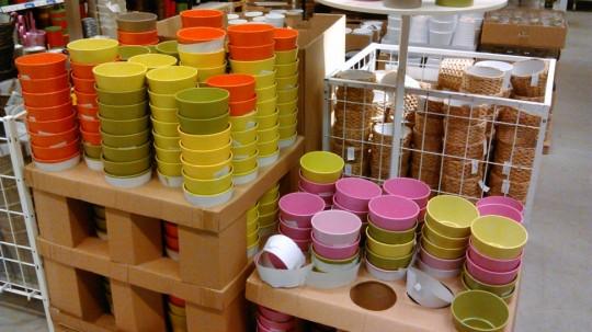 IKEAのカラフルな鉢カバー