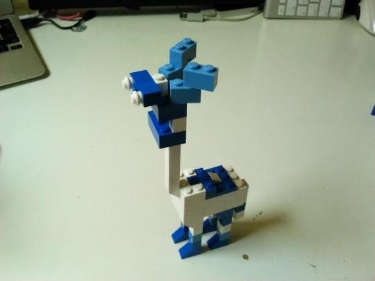 レゴ アイディアブックを参考に青いキリン的な動物を自作1