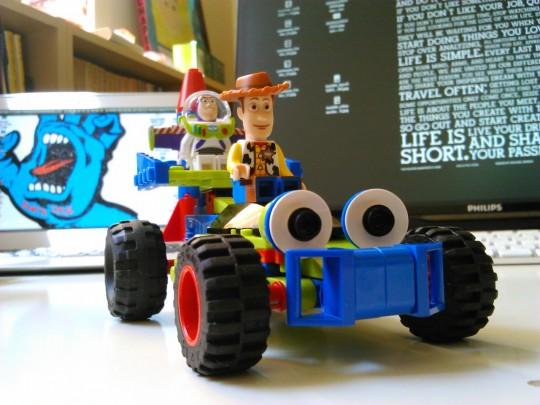 レゴ7590 トイ・ストーリー ウッディとバズがバギーで救出に出動1