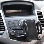 iPhoneやNexus7などに共通利用できる車載ホルダ1