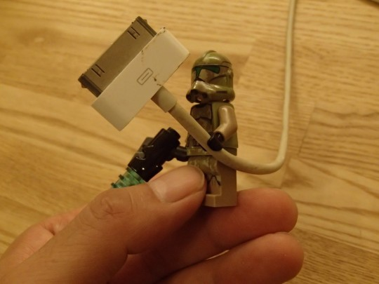 レゴのキャッシーク・クローン・トルーパーズKashyyyk TroopersにDockコネクタケーブルを持たせてみたところ2