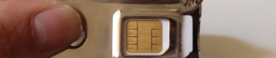 SIMカッターで普通のSIMをMicroSIMに_[0]