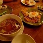 モンスーンカフェ 渋谷店 鶏肉のフォーとナシゴレン