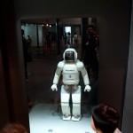 日本科学未来館 ASIMO充電中