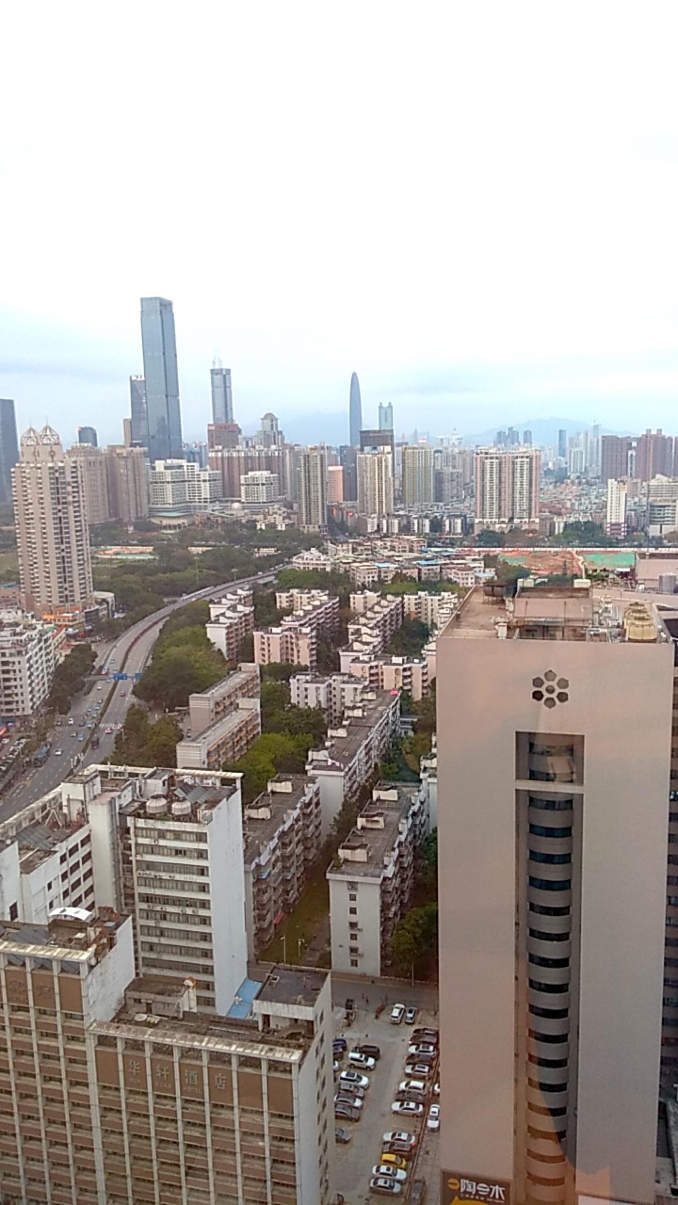 中国 深セン 福田 ウィンダム・グランド・ホテル24階からの風景 Shenzhen Futian Wyndham Grand Hotel_[0]