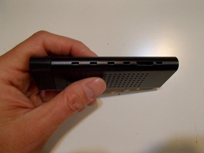HDMI接続スティック型Android端末,Zealz GK802側面2MicroSDスロット