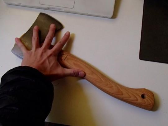 Hultafors(フルターフォッシュ) 手斧 ハチェット・スカウトのサイズ感