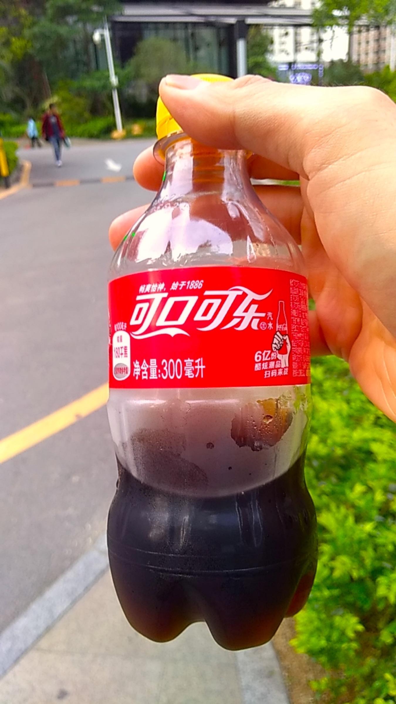 中国 深セン コカコーラも漢字 可口可来_[0]