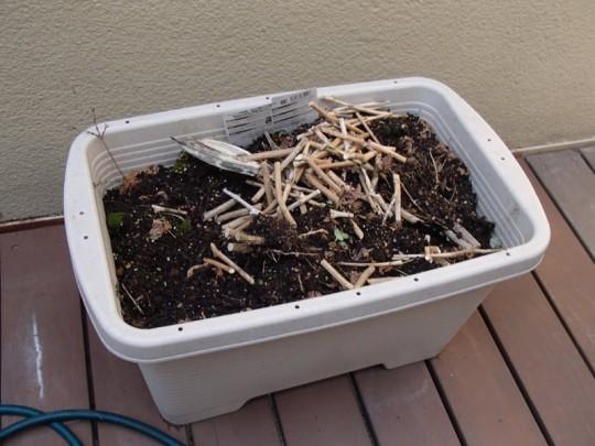 家庭菜園用のプランターの準備1