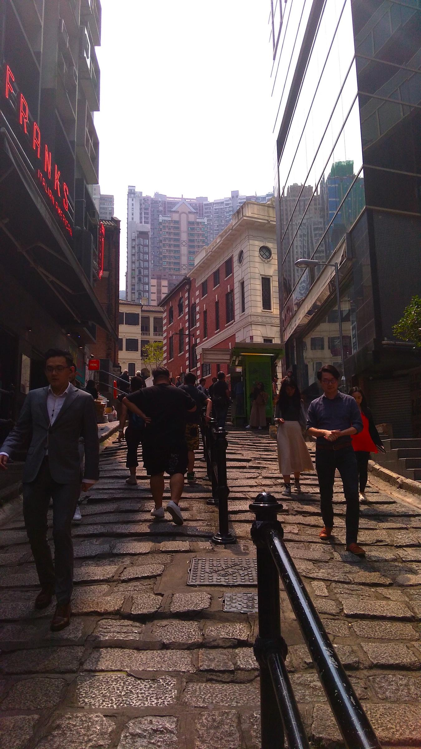 香港 中環の古い街並2_[0]