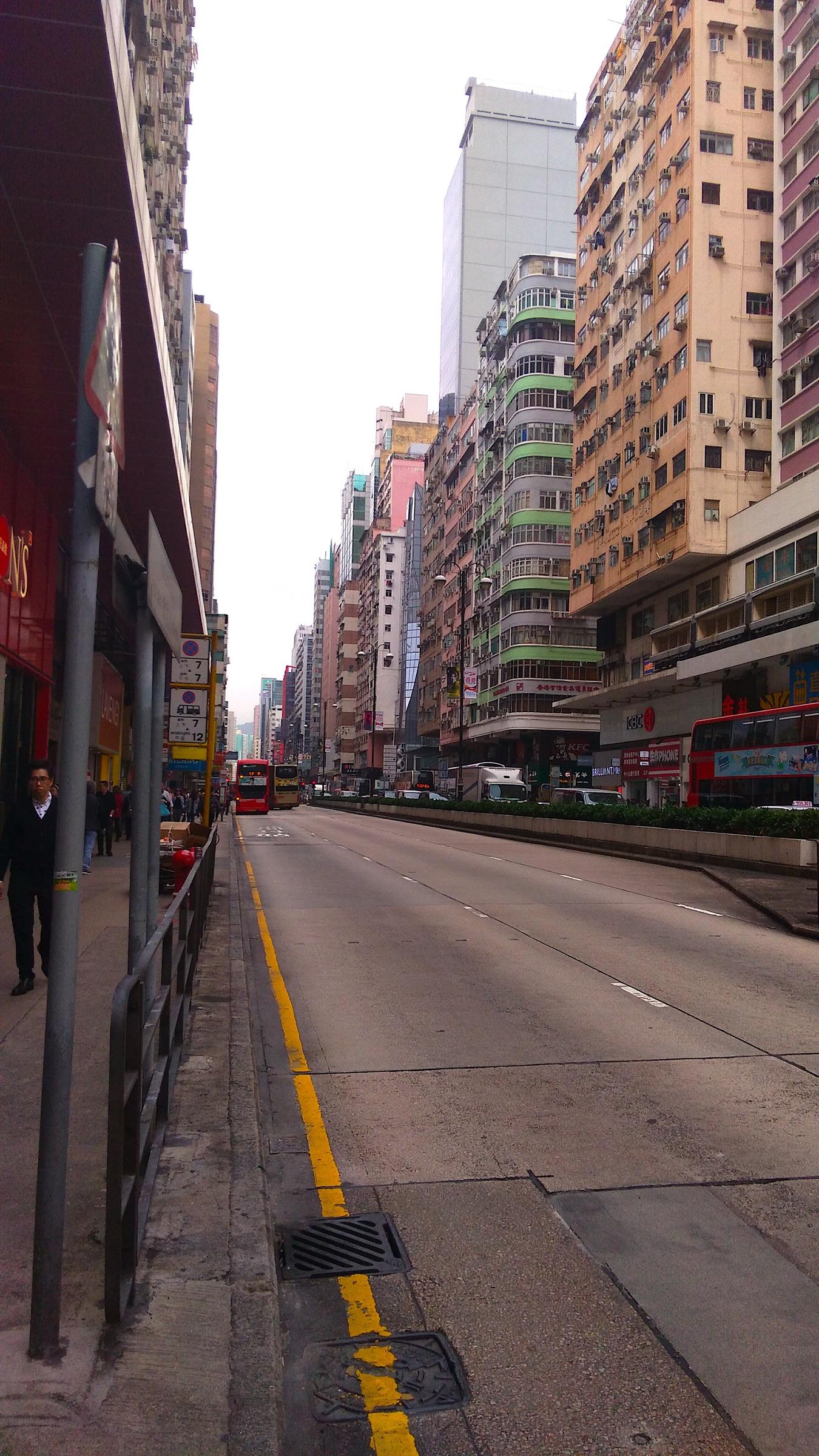 香港 旺角の街並1_[0]