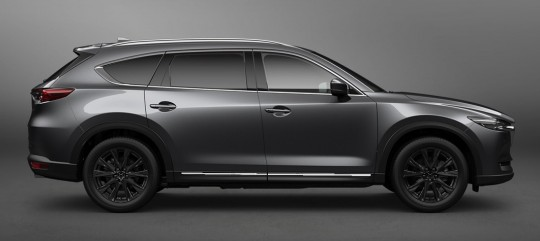 CX-8マシングレー オフィシャル 横から(3)ホイール黒塗装+ガーニッシュ